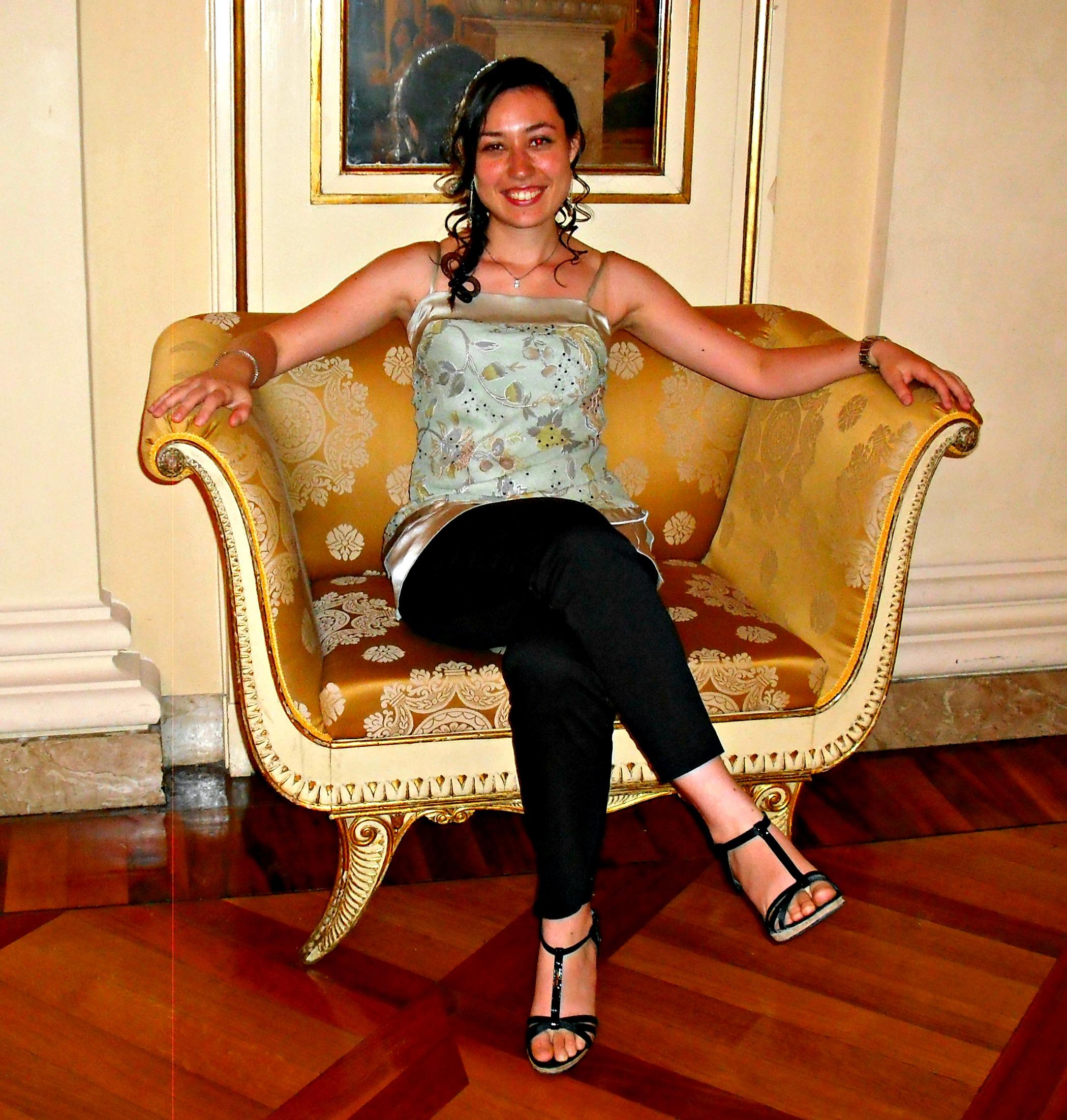 The Brunette Cupcake by Eleonora Rocca – Web Editor Job Description
