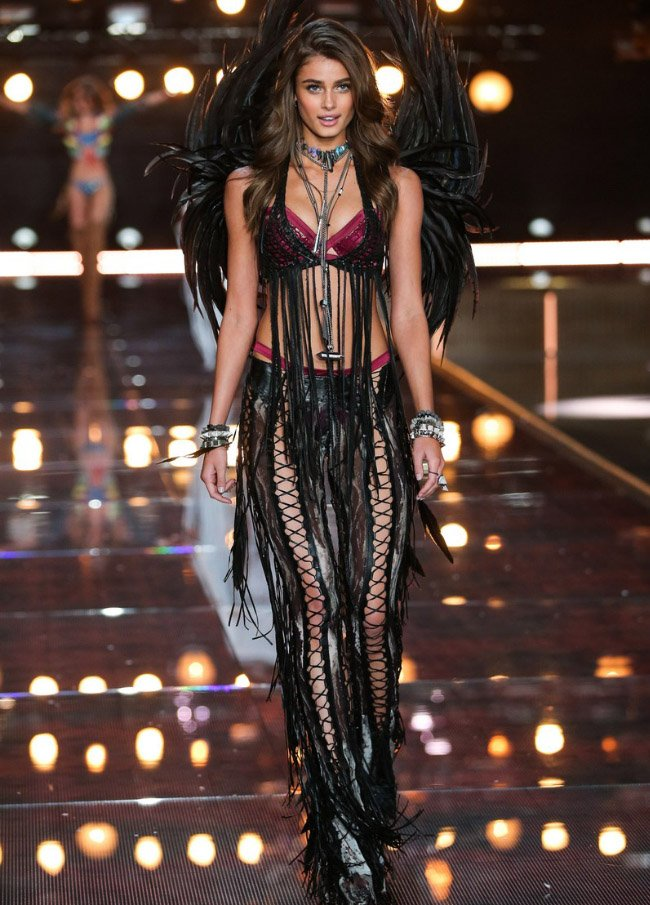 victoria-secret-fashion-show-4