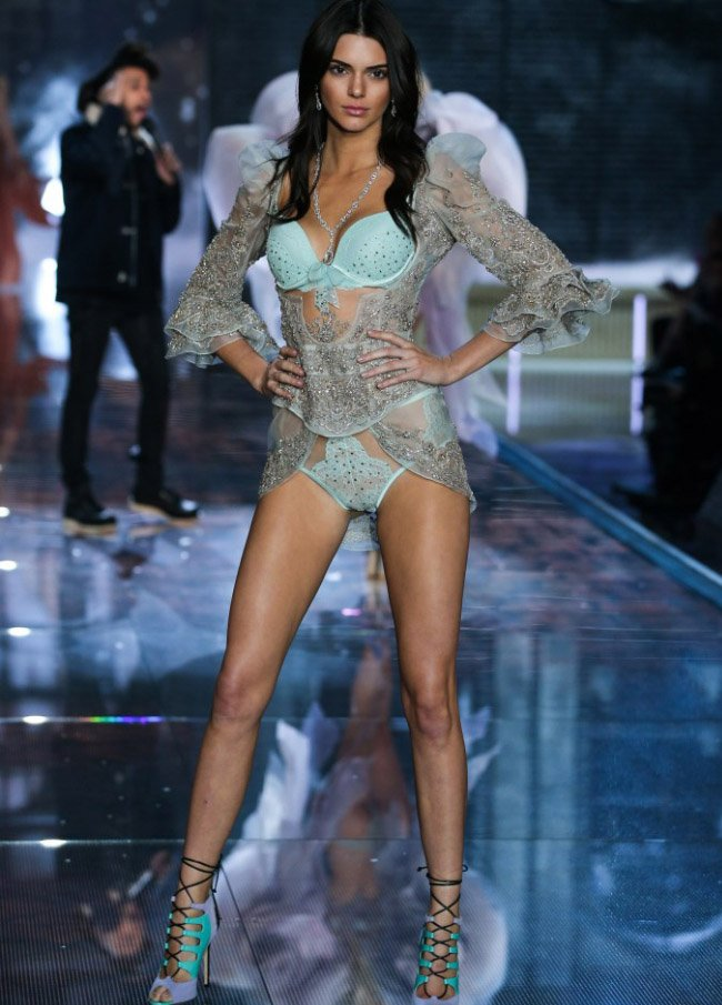 victoria-secret-fashion-show-9