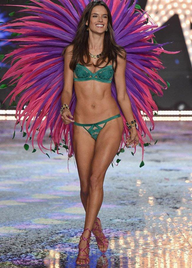 victoria-secret-fashion-show-35